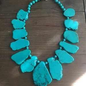 Jewelry - NWT faux turquoise statement necklace